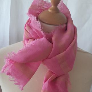 Ullskjerf, rosa med trykk