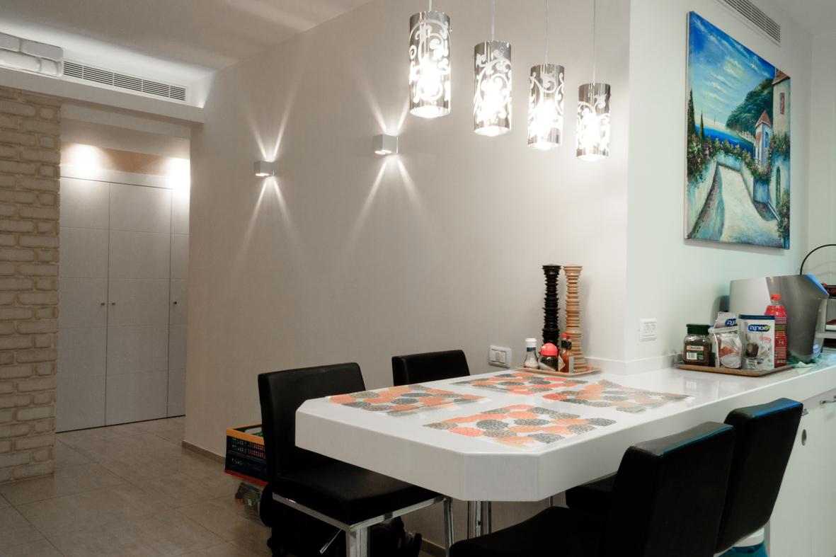 """מטבח בסגנון מודרני, דירת 4 חדרים פ""""ת"""