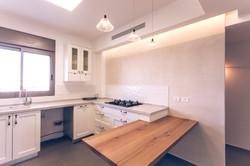 """מטבח, פנטהאוז - כפר גנים ג' פ""""ת"""
