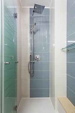 מקלחת , דירת 3 חדרים בתל-אביב