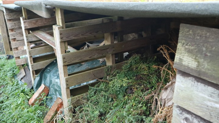 composts bays made from pallets