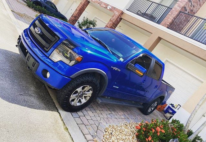 Full Detail on this Beautiful Blue Ford