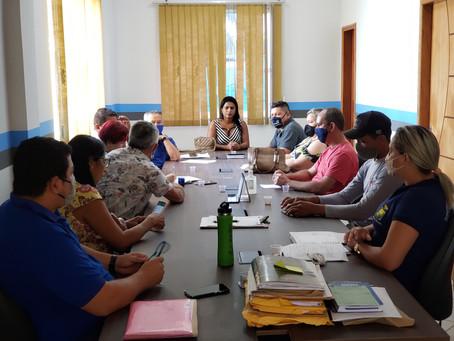 Prefeito Antônio Barbosa de Sousa (ZUM) realiza reunião com seus secretários