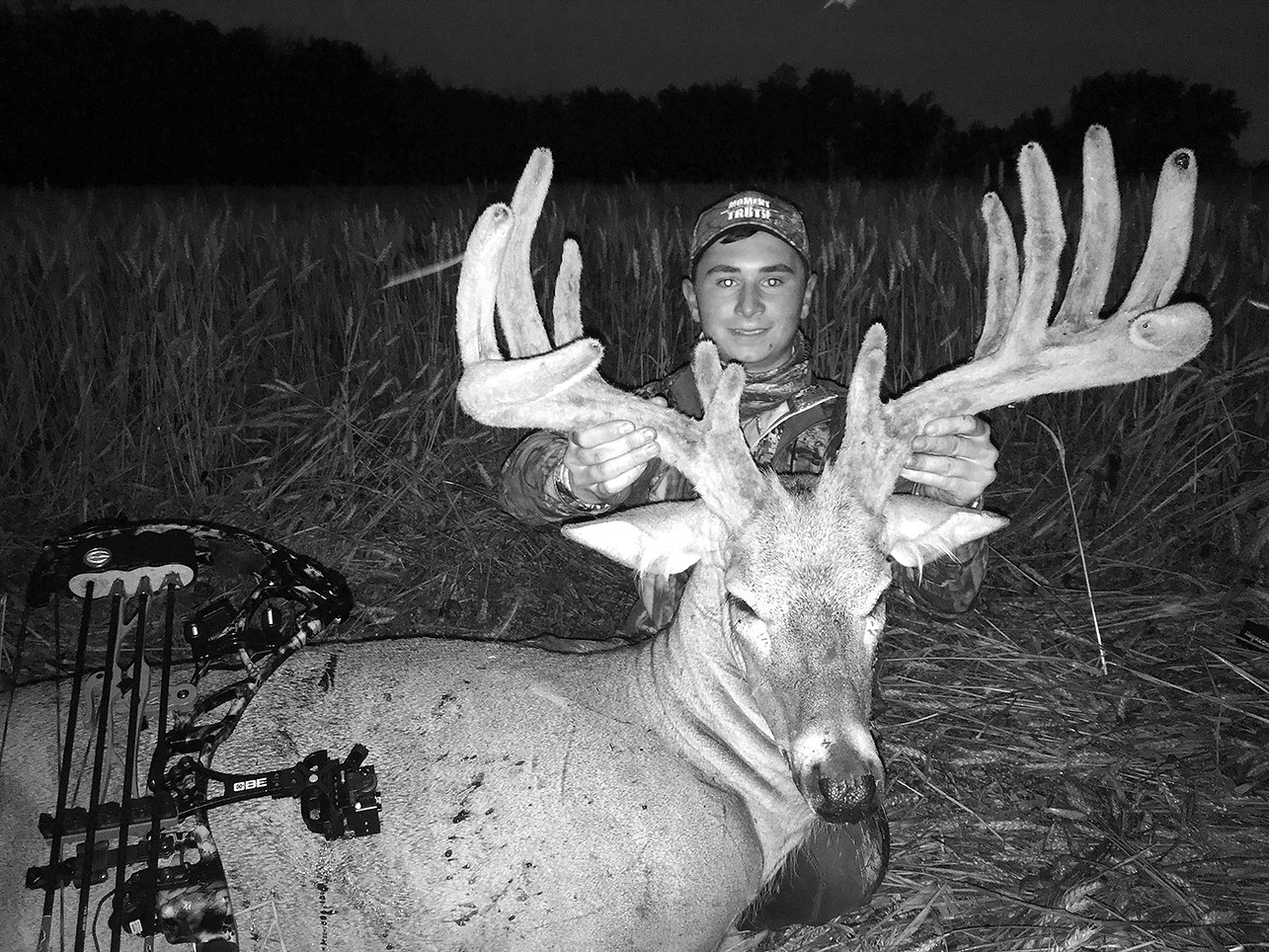 Page 4 and 5 Mitch Whitetail.jpg