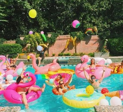 Decorations for a fun and easy Pool Party
