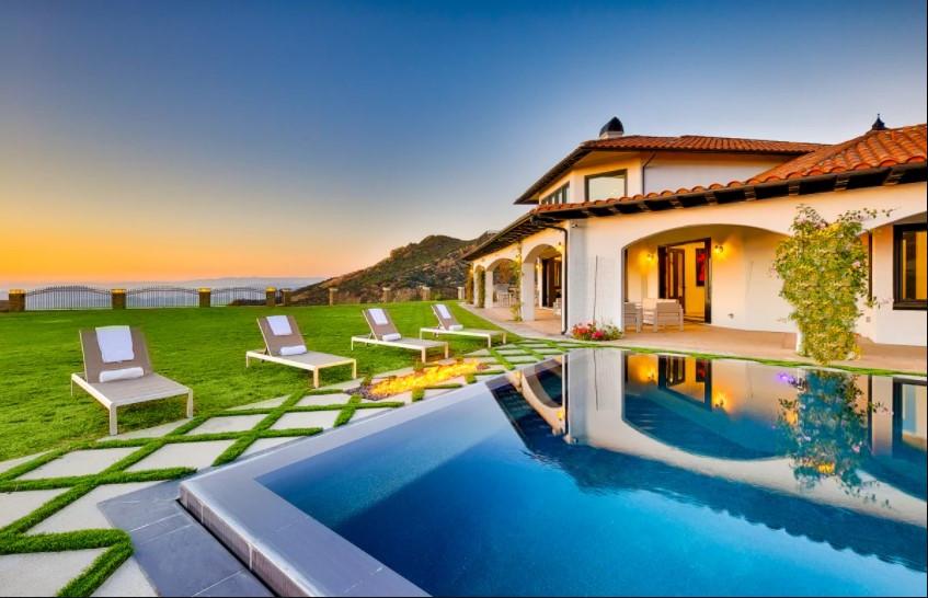 malibu villa1.jpg