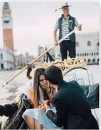 proposal in gondola.jpg