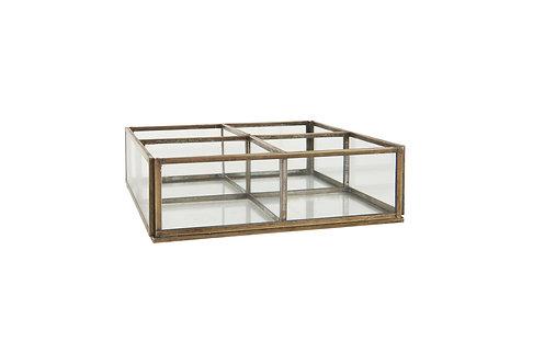 Glasbox mit 4 Fächern offen
