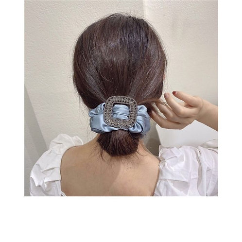 SILVER RUCHED HAIR BOBBLE