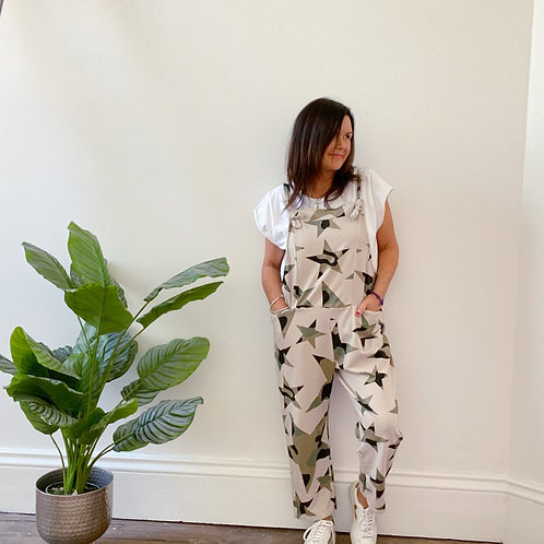 MADE IN ITALY CAMOUFLAGE STAR PRINT DUNGAREES