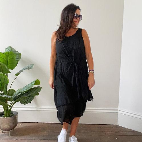 LOOSE TIE FRONT DRESS -  BLACK