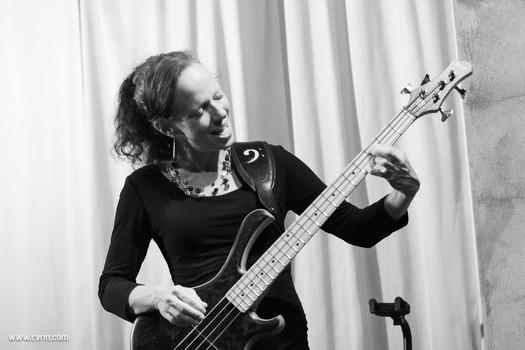 Solam_pop progressive_concert_suisse_romandie_vaud_mensinger bass_cvrin 11.jpg