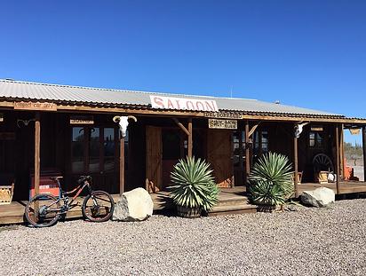 Del Barracho Saloon & Grill