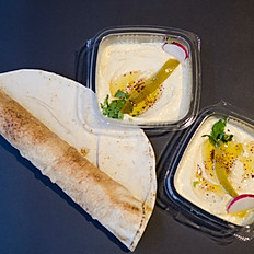 HUMMUS WITH FLAT BREAD