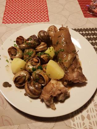 Escargots sauce pieds de porc