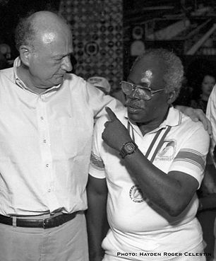 carlos with Mayor Koch 1988.jpg