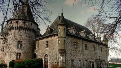 Château de Pompadour en Corrèze. Замок Маркизы Помпадур в Коррез