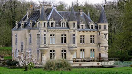 Château de Bourneau / Замок Бурно. Маленькая копия Азе-лё-Ридо.