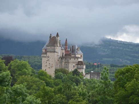 Château de Menthon-Saint-Bernard / Замок Ментон Сен Бернар