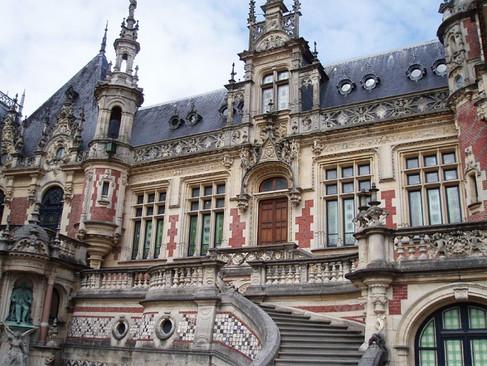 Palais Bénédictine / Дворец Бенедиктинцев. Бенедиктинский ликер