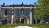 Château Bellevue. Yvrac / Замок Бельвю. Уничтоженный замок