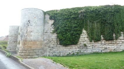 Chateau de Beaumont sur Oise / Замок Бомон сюр Уаз. Замок Святого Луи