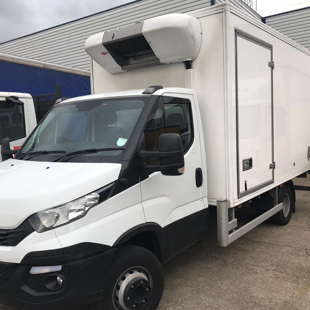 IVECO DAILY 7.2T, 4.3M FRIDGE BOX