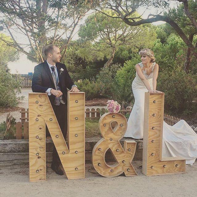 Así de guapos posaron nuestros novios este fin de semana!! FELIZ LUNES 😊 #eventos #boda #novios #de