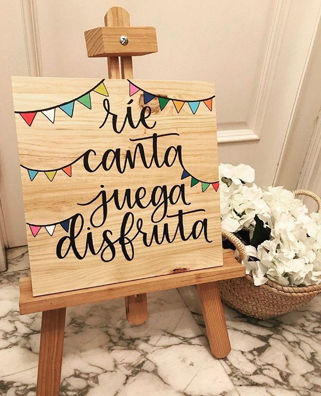 Mañana tenemos la última boda del año y este cartelito decorará el rincón de los peques😍 gracias a