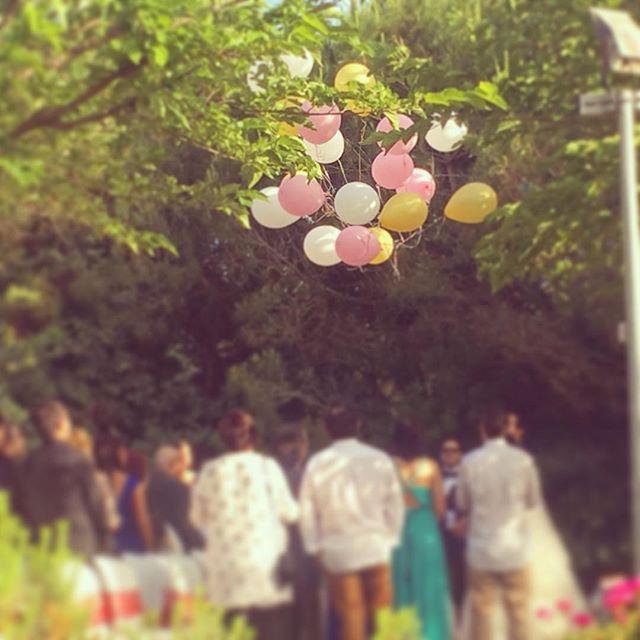 Suelta de globos en la ceremonia de L&J 😍 #eventos #bodas #decoracionbodas #ceremonia #globos #rinc