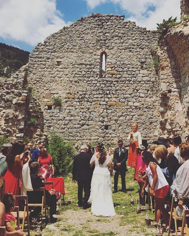Hoy hace 5 meses que pudimos disfrutar de esta preciosa boda en el Pedraforca!! Felicidades pareja😘