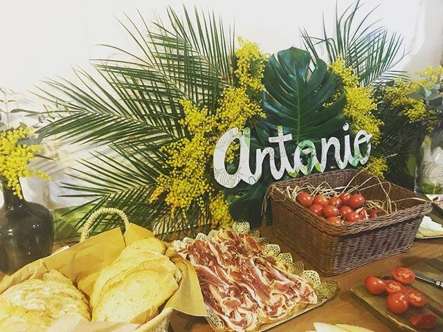 Hoy celebramos un evento muy especial, el 60 cumpleaños de Antonio!! Corner tropical para la mesa sa
