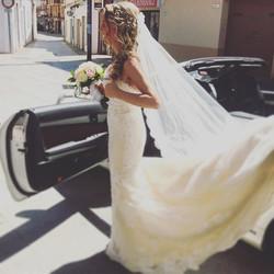 Viva la NOVIA!!👰🏼💐#eventos #boda #novia #llegadadelanovia #vestido #vestidodenovia #noviaguapa #d