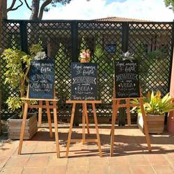 Rinconcito de bienvenida para la boda de G&D!! Los querían en 3 idiomas y este fue el resultado grac