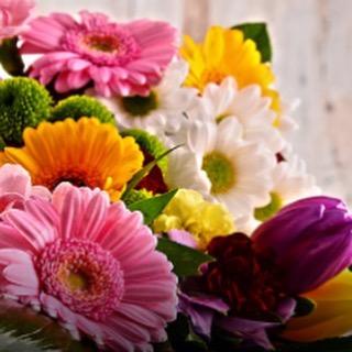 Seguimos pensando en color, mientras preparamos los próximos eventos!! 😊#eventos #boda #flores #col