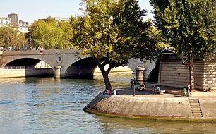 Ile_Saint-Louis_Visit the Hidden Paris.J