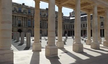 Courtyard of Honour with the Buren Columns