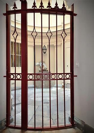 Entrance_rue_de_Buci_6%C3%83%C2%A8_edite