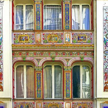 Painted façade (1856)