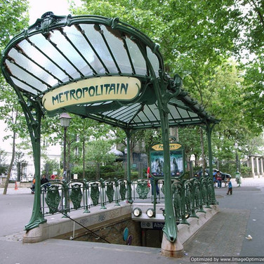 Montmartre, Visit the Hidden Paris