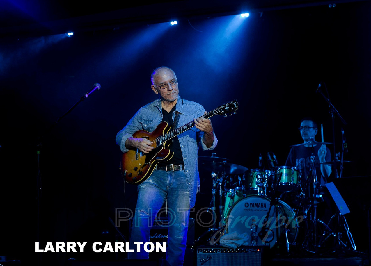 larry carlton web_edited