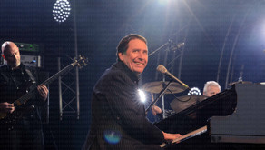 JOOLS HOLLAND & HIS RHYTHM AND BLUES ORCHESTRA HATFIELD HOUSE LIVE REVIEW