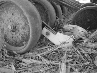 Fin Fertilizer Seed Placer