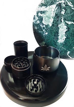 Black 'Belladonna' set