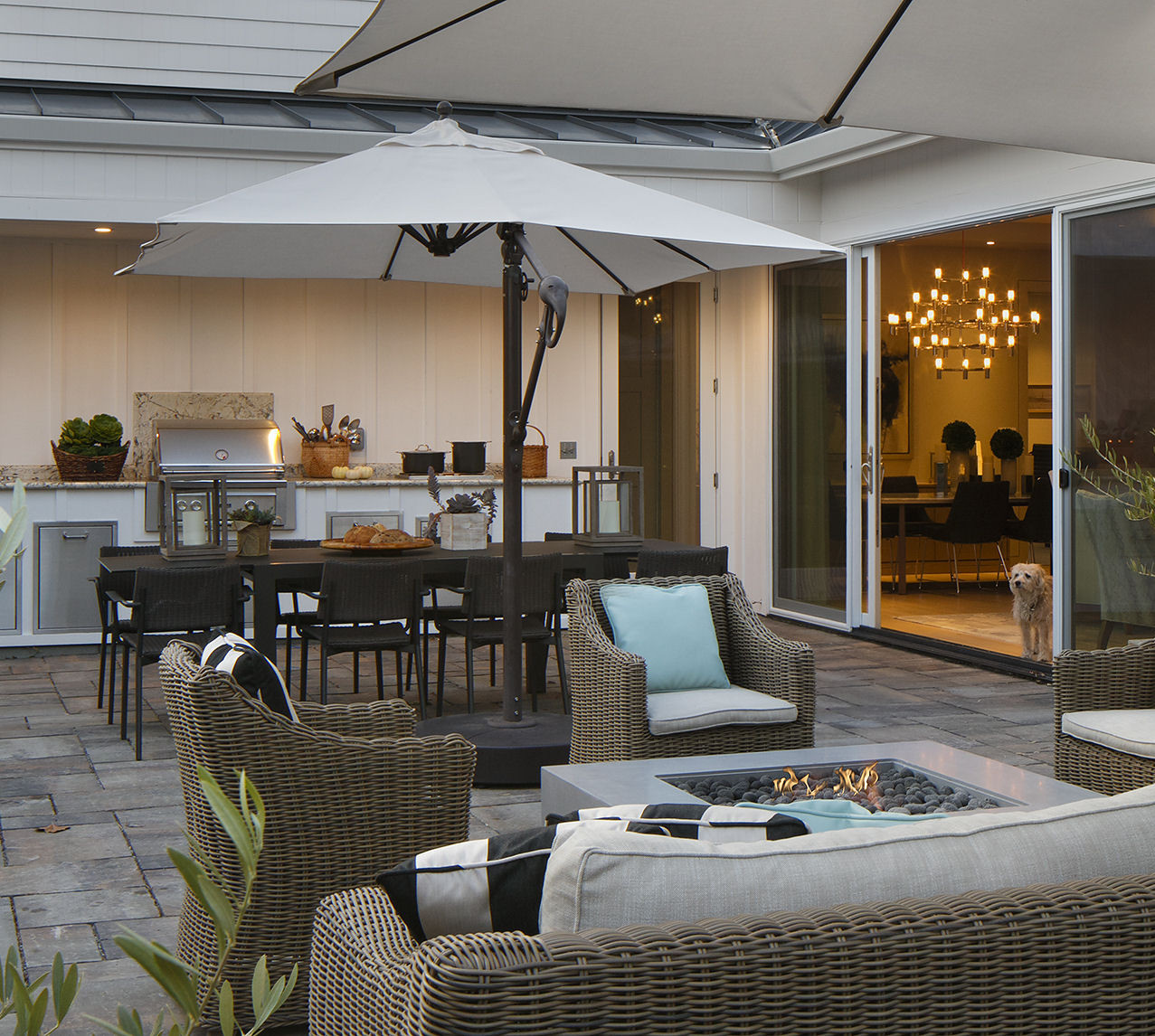 Lounge Area with fire pit