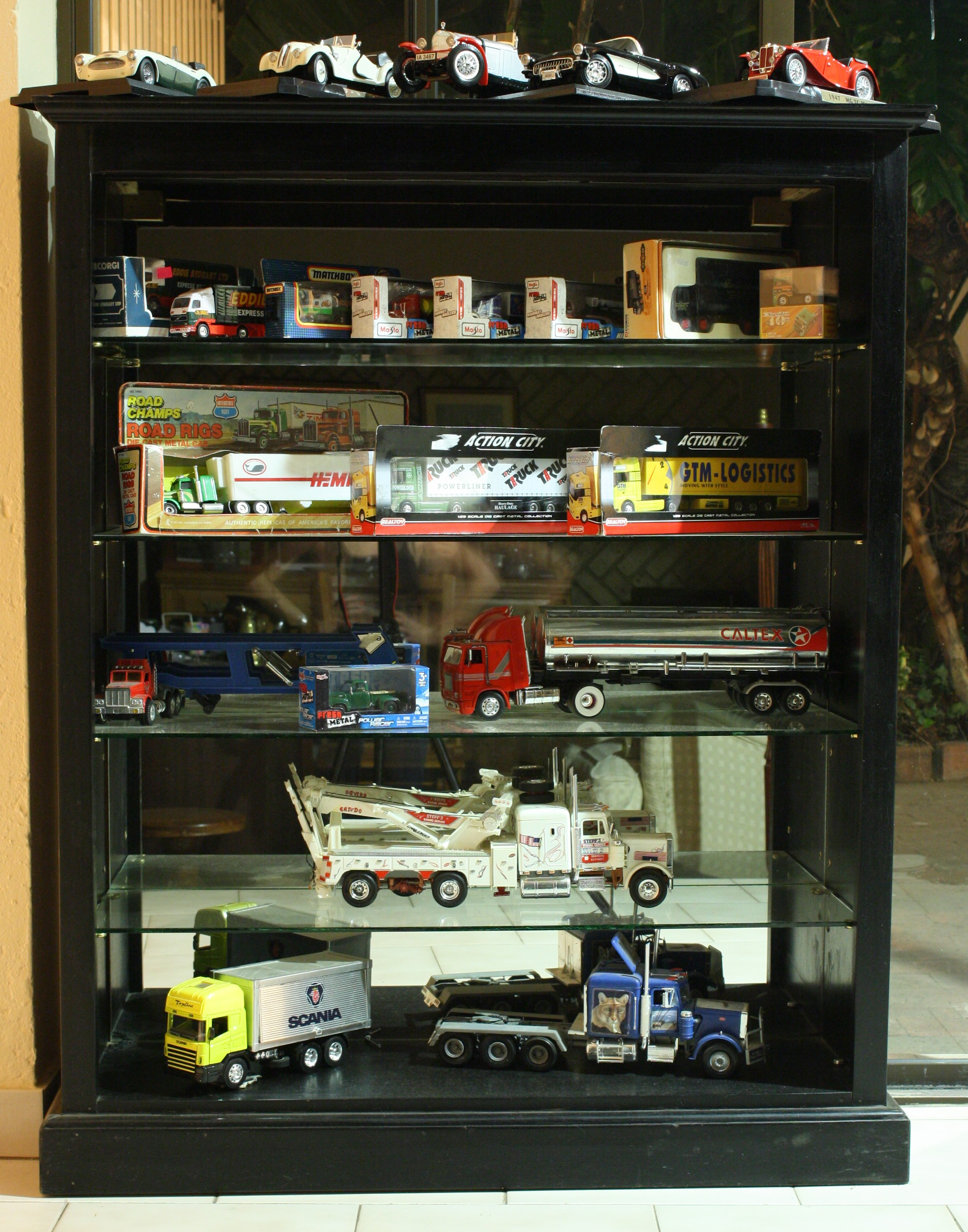 BESPOKE DISPLAY CASE.JPG