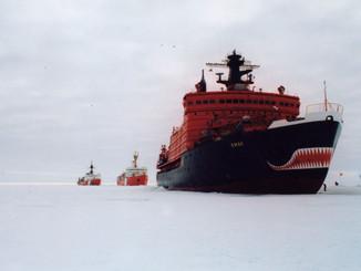 Three_icebreakers_--_Yamal,_St_Laurent,_