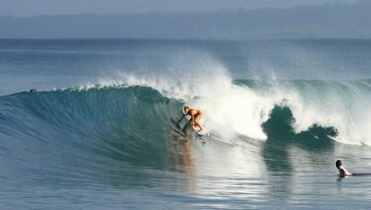 Indo Surfing