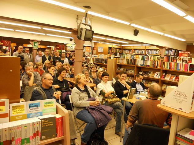 Presentación de Fricciones en la librería La Galatea (Reus, 23/11/2011)