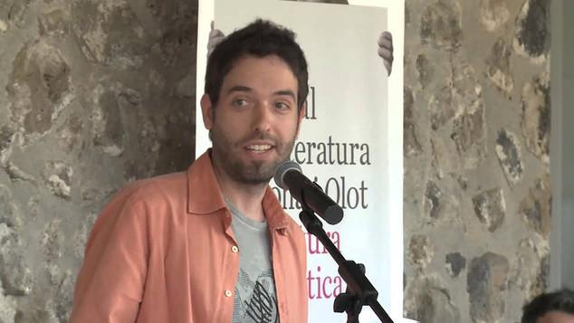 "lectura de relatos fantásticos en el ""Vermut literari"" del festival MOT (Olot, 12/4/2014)"